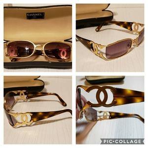 CHANEL vintage 4024 tortoise & gold sunglasses
